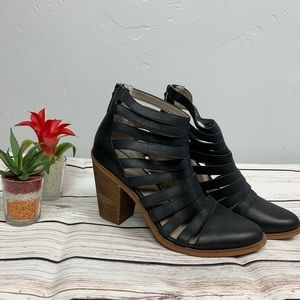 Hinge Caged Dresden  Booties Size 11
